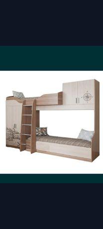 Продается двухъярусная кровать и письменный стол