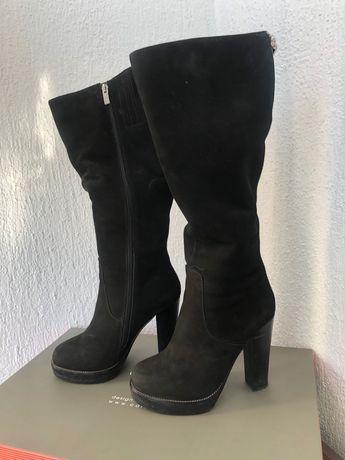 Зимние сапоги на каблуке