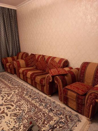 Итальянский диван и два кресла