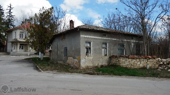 Продавам къща в село Горски Сеновец
