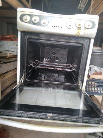 Продам электро-плиту Германия 4-х конфорный