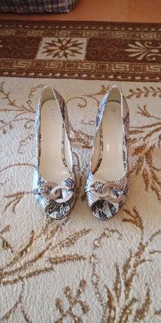 Продам срочно хороший состояние туфли Турция