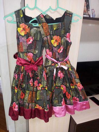 Детски рокли в много добро състояние, за близначки