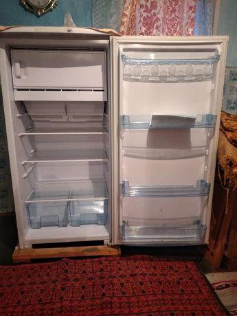 Продам холодильник 60.000 торг