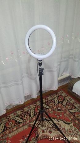 Продам кольцевую лампу