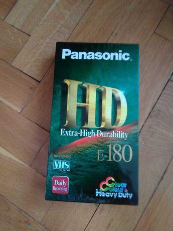 Продавам нова видеокасета
