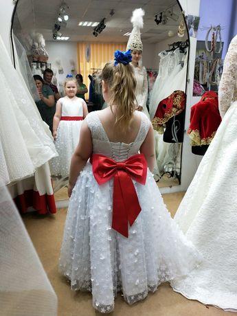 Нарядное платье хорошо подойдёт для крупных девочек
