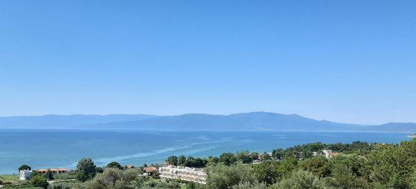 Място за каравана с уникална гледка към морето в Гърция