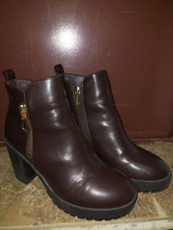 Продам обувь женская осенняя ботинки