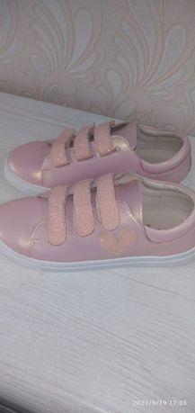 Продам срочно обувь для девочки