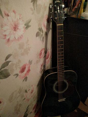 Продам Гитару 6 струн