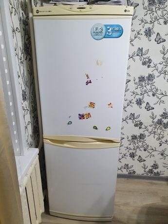 Продам холодильник Б/У в хорошем состоянии