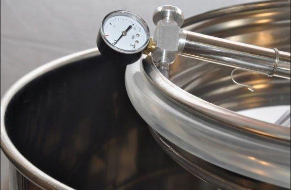 Butoi (cisternă) INOX cu capac flotant 150 L - plata in rate