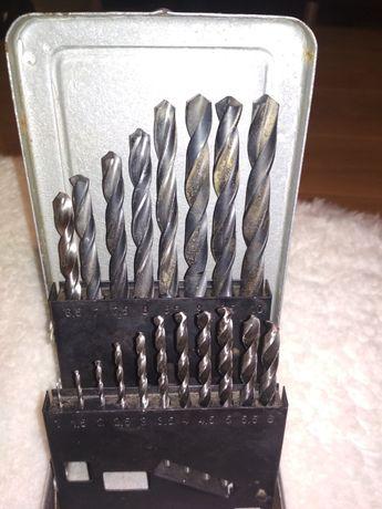 Комплект бургий в метална кутия.