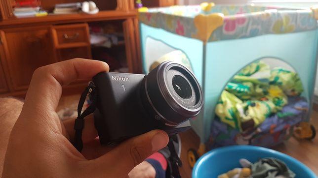 Aparat de fotografiat NIKON 1 S 1 mirrorless filmat vlogging