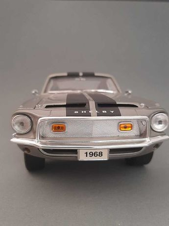 Ford Mustang Shelby GT500 Eleanor 1/18 Road Signature Yat Ming