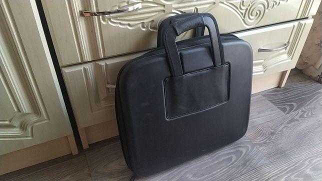 """Фирменная сумка для macbook pro 15""""."""