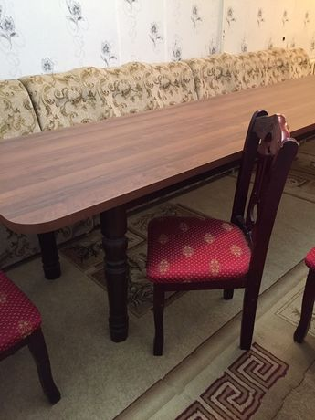 Стол со слулями продам срочно не дорого