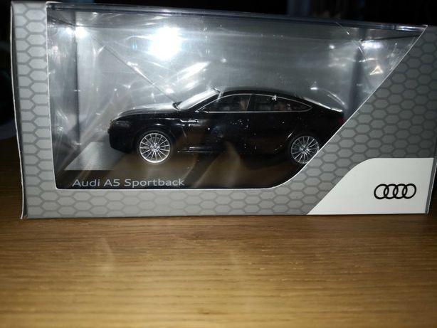 Se vinde machetă,jucarie Audi A5 sportback