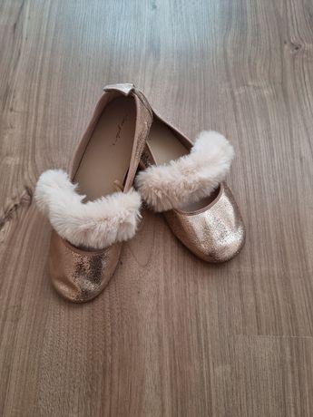 Zara детски пантофки