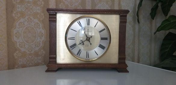 Стар работещ точно немски часовник Junghans