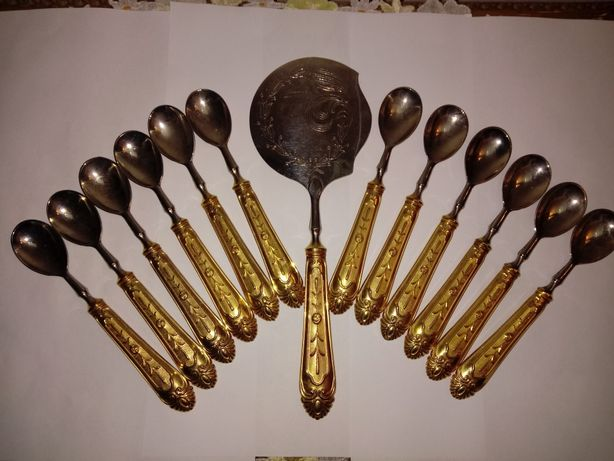 Set tacamuri desert placate cu argint