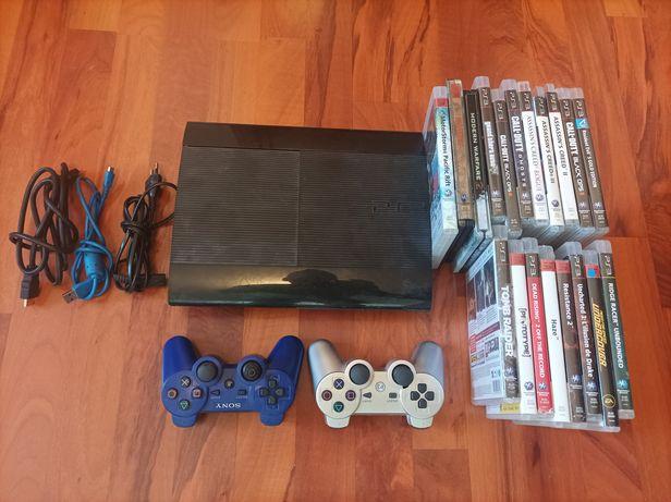 Vând PS3 ultra slim Hdd 640 GB +20 jocuri și 2 manete