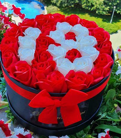 Arajamente cifra 18 si ursuleți trandafiri 45 cm