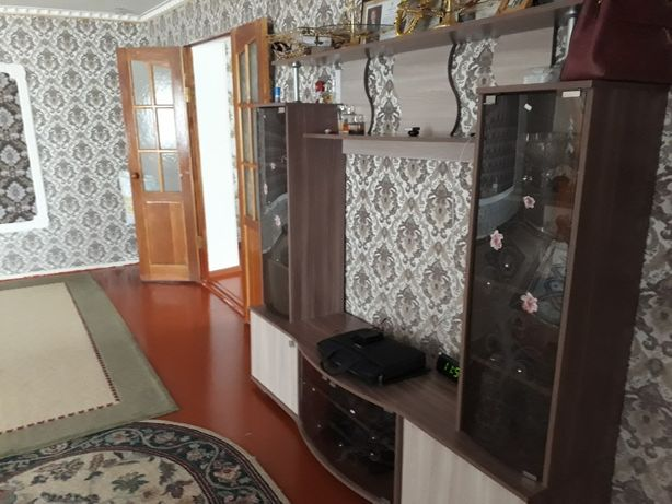 Мебель для гостиной почти новый