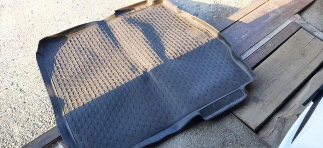 Полик багажника от шкоды суперб