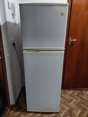 Холодильник Daewoo. Б/у. No frost