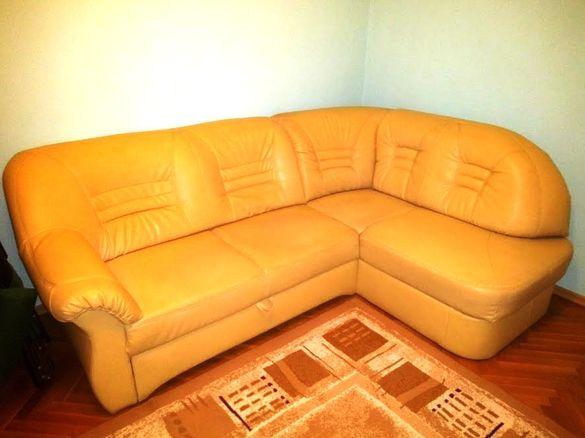 Продавам ъглов диван разтегателен с ракла за 295 лв.