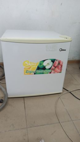 Продам холодильник мини