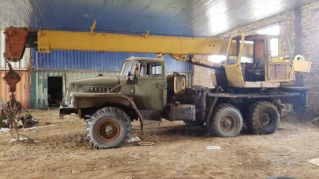 Автокран Урал 16т