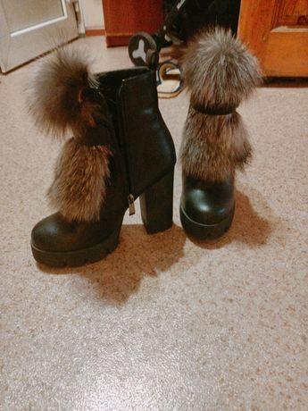 Продам зимнию обувь.