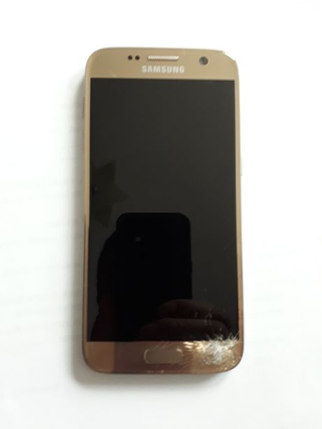 Vând telefon samsung s7 cu display-ul spart