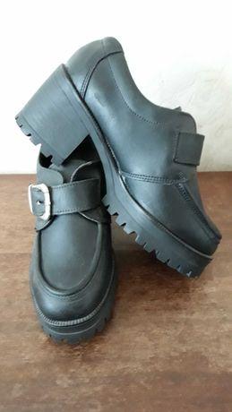Обувки, от естествена кожа.