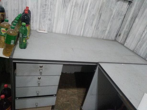 Продам 2 стола в отл состояние