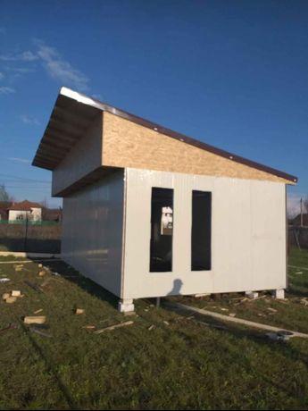 case modulare pe structura metalică sau din lemn