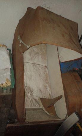 продавам кафяв плътен бебешки кош шезлонг (от бивша количка, ползвана