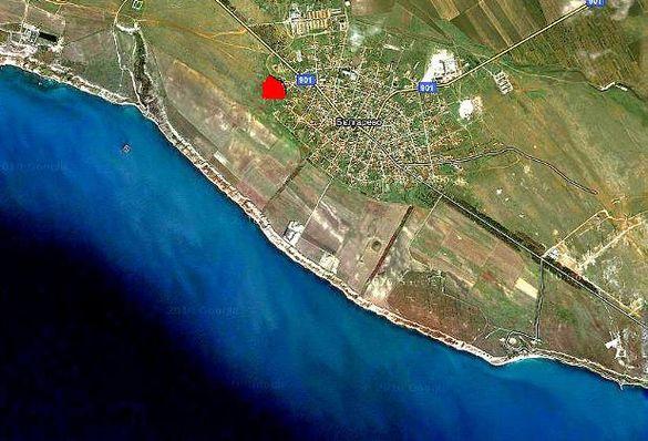 Морски имот.УПИ - 7400м/кв на 815м. от морето