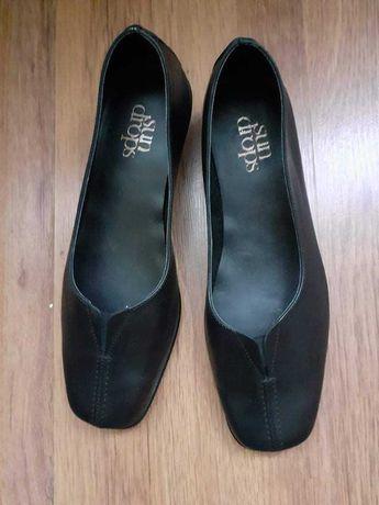 Оригинални кожени обувки Bata