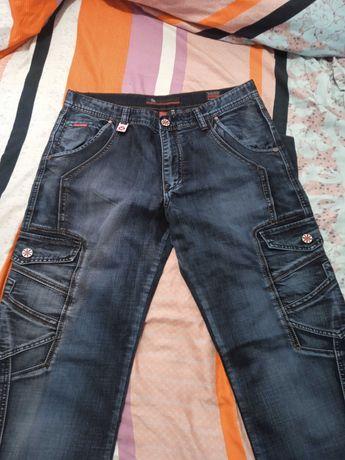 джинсы новые- 36-го размера