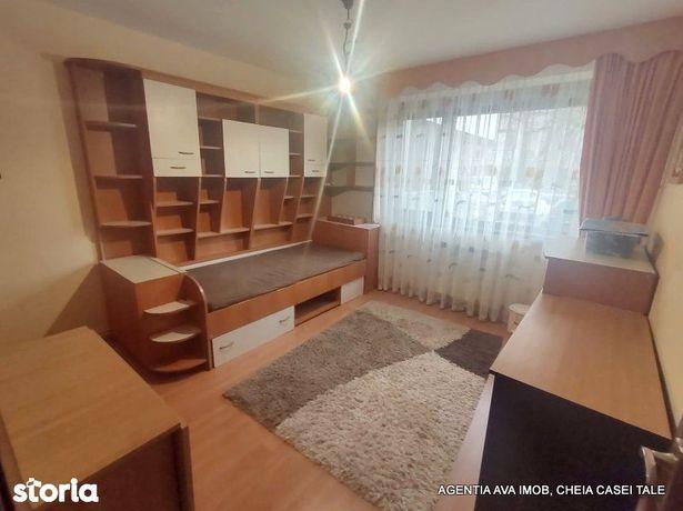 Apartament 3 camere, decomandat, zona Orizont