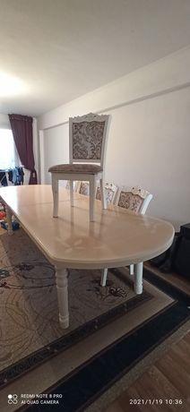 Продается, стол и стулья