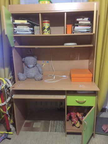 Продам стол ученический