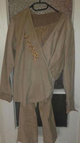 Costum raiat pentru gravide