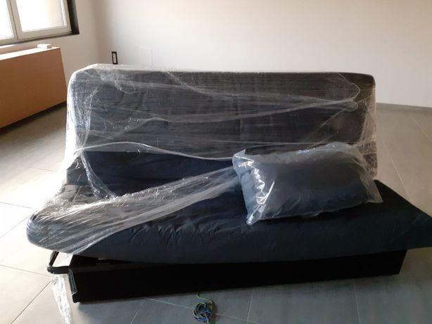 Vând 2 canapele extensibile de 3 locuri