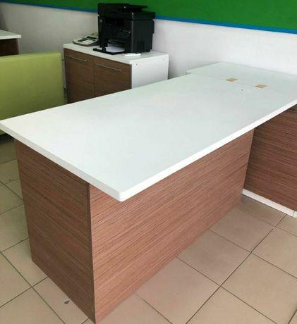 Стол  писменный  и шкаф пристенная офисный