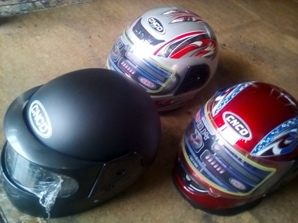 нови шлемове мото куфари за мотоциклети